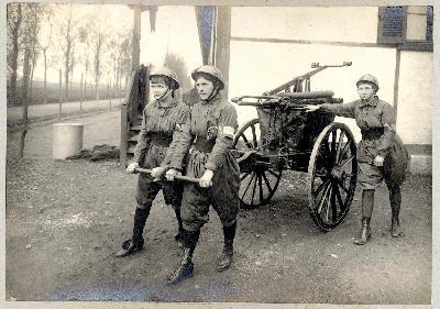 Femmes pompiers à la Poudrerie